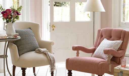 Pink-and-cream-armchairs-in-white-painted-room--Country-Homes-and-Interiors--Housetohome.co.uk