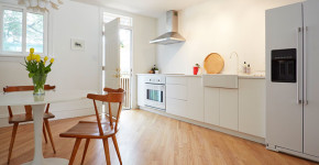Becoming Minimalist- Why I'm Getting Rid Of One Thing, Every Day - Second Floor Flat