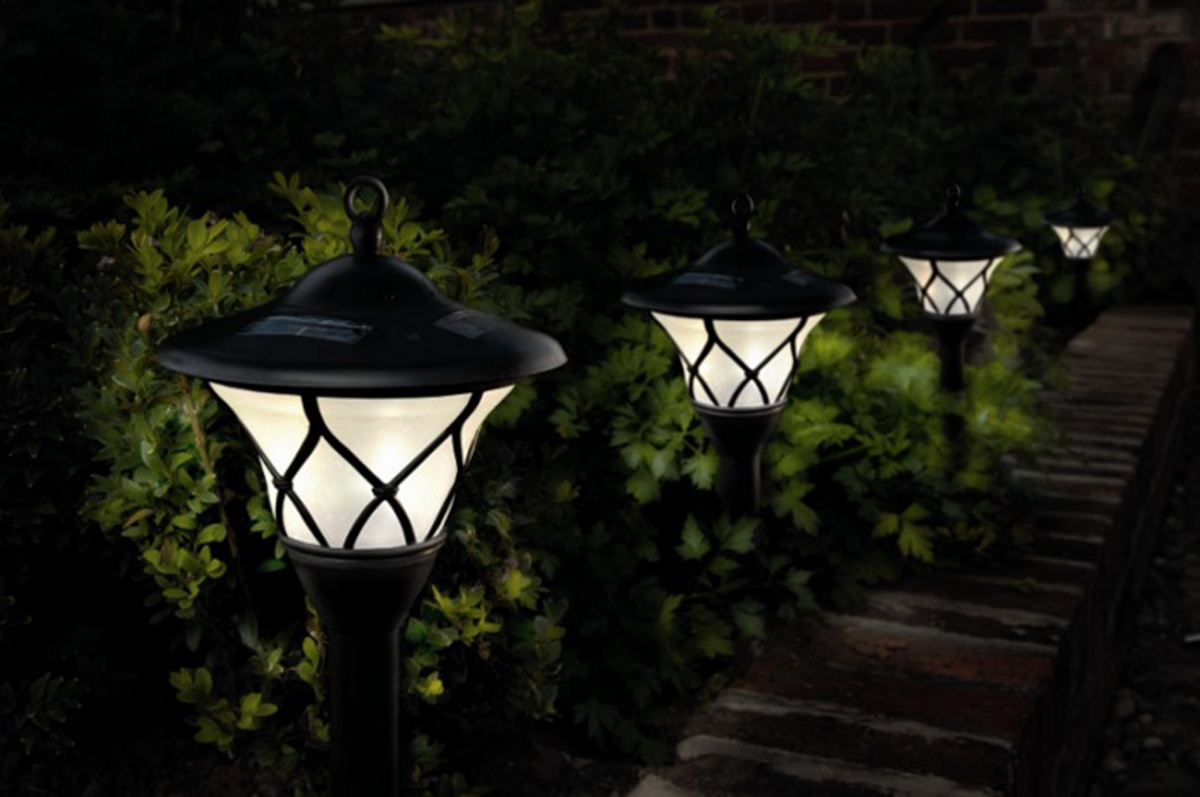 Outdoor solar lights for a beautiful garden – Low Impact Living