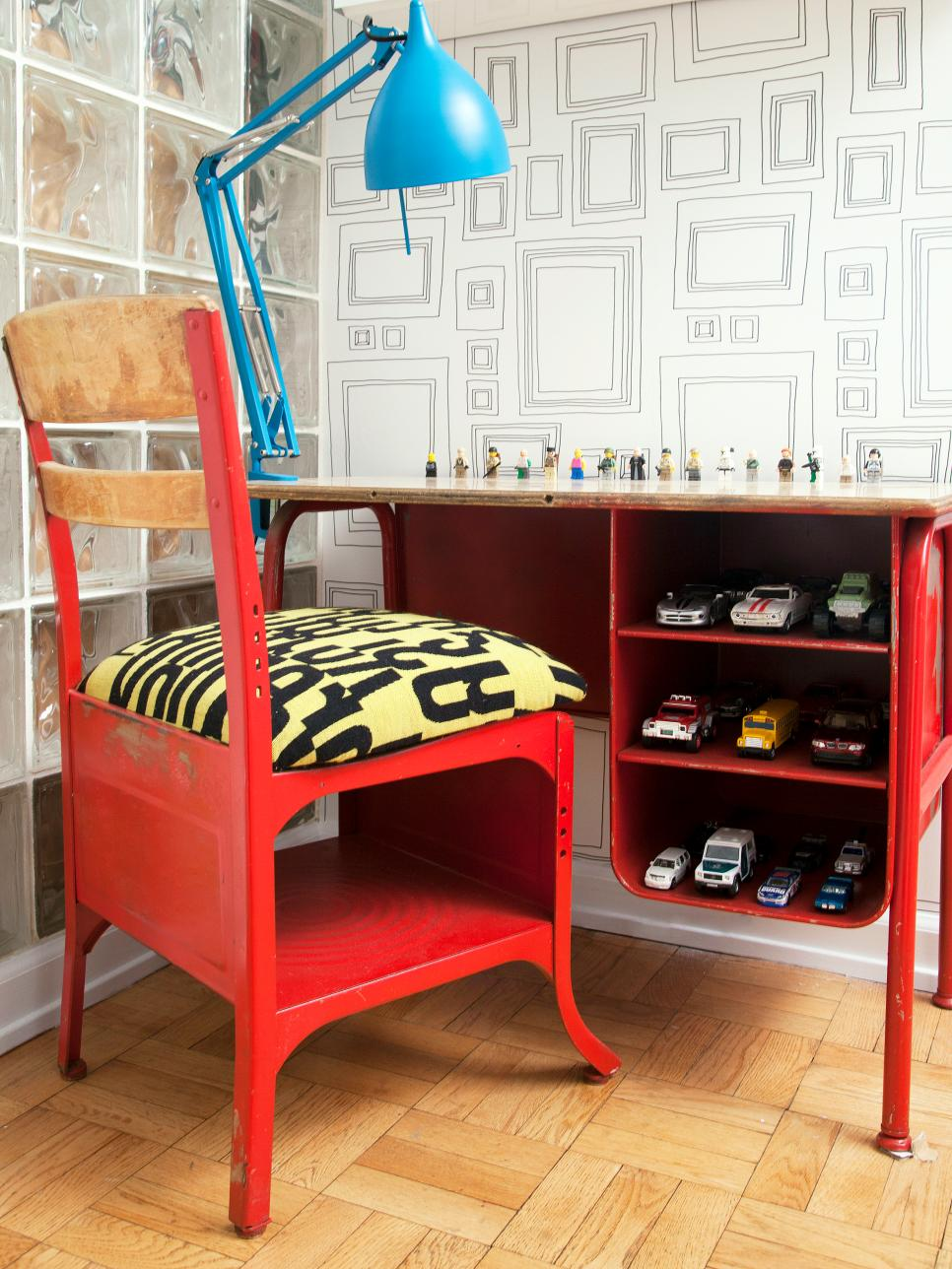 Look How These Decorative Light Ideas Change A Child's Room
