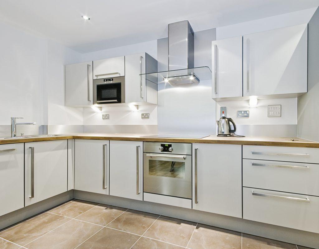White Kitchen Designs Guelph 1024x799