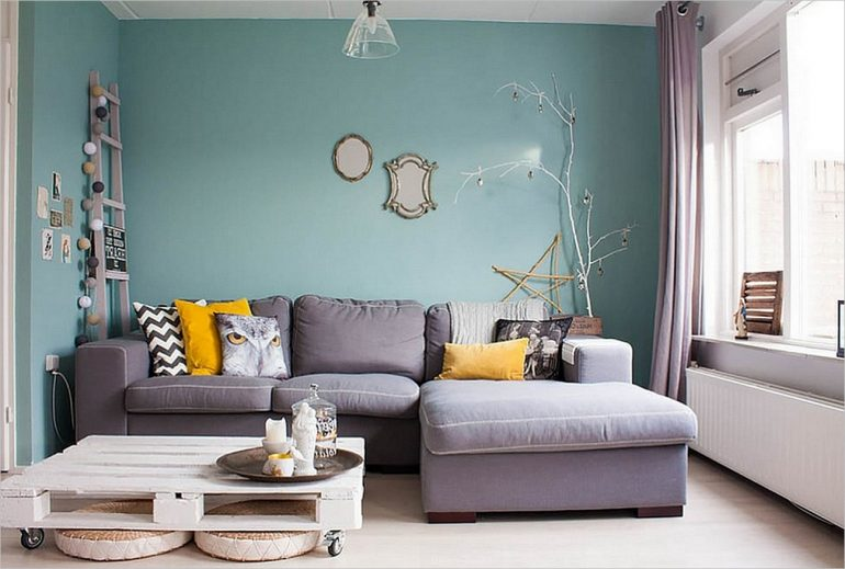 Teal-Wall-Color-Living-Room-770x519