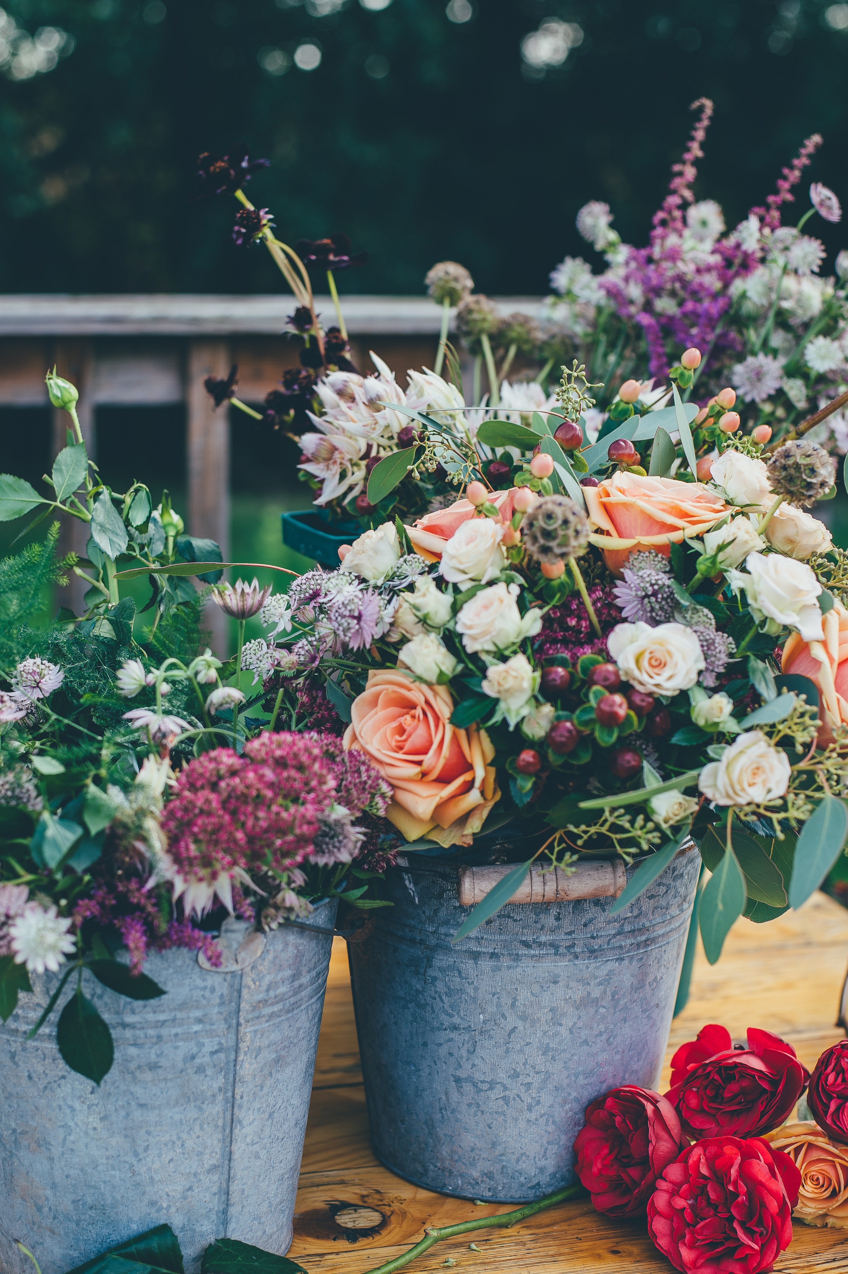 5 Tips On How to Arrange Flowers Like A Pro for a big day