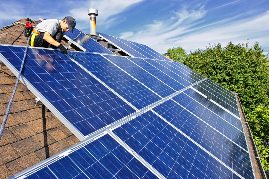 Top 5 Reasons to Consider Installing Solar Panels on Your Roof